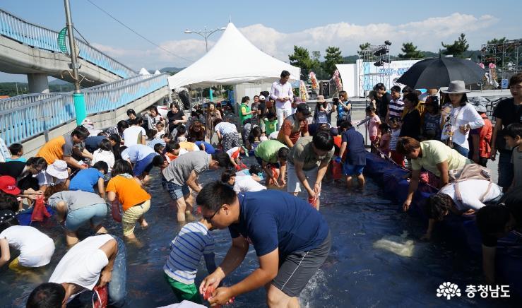 무창포 신비의 바닷길 '대하·전어' 축제
