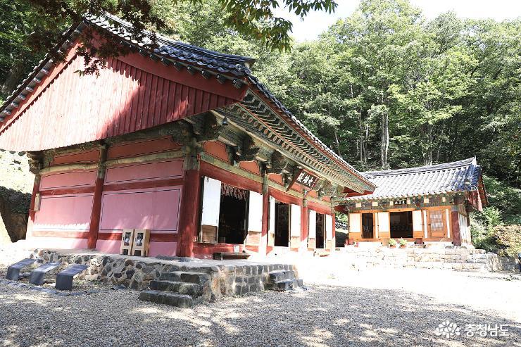 장곡사에서 격동의 한국 현대사를 다 볼수 있다 2
