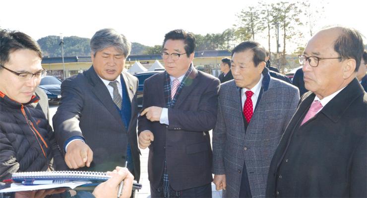 도의회 의장단, 백제단지 현장 점검