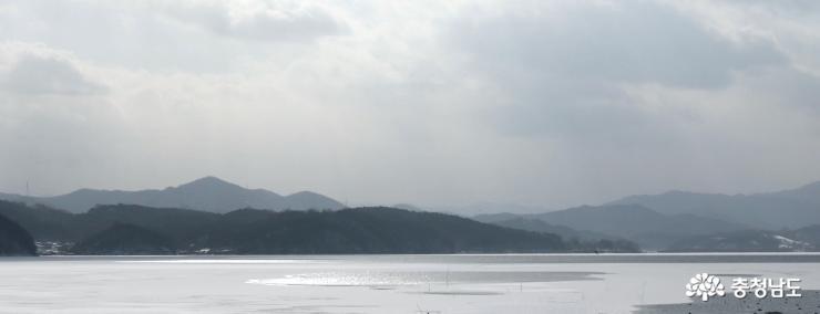 눈 내린 풍경이 아름다운 예당저수지