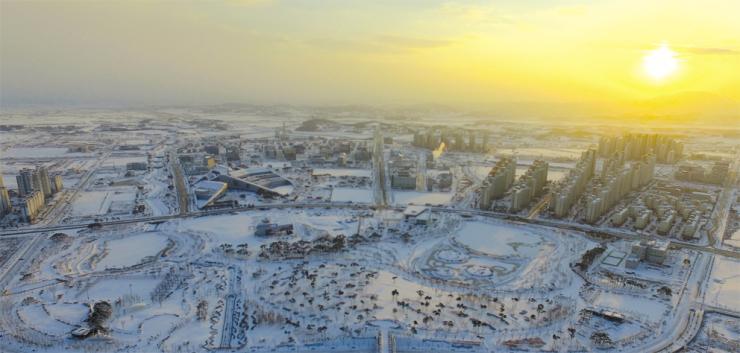 눈과 빛으로 뒤덮인 내포신도시