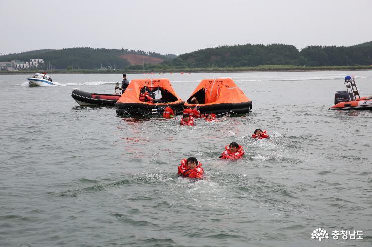 생존수영·해양안전 장비 사용법 배워요 2