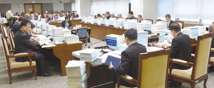 도의회, 10조 8000억 새해 예산 가결