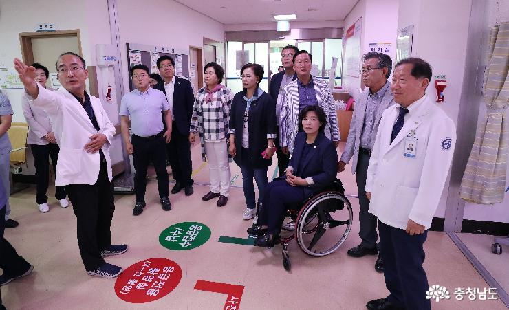 충남도의회 문복위, 한화토탈 사고 관련 서산의료원 방문