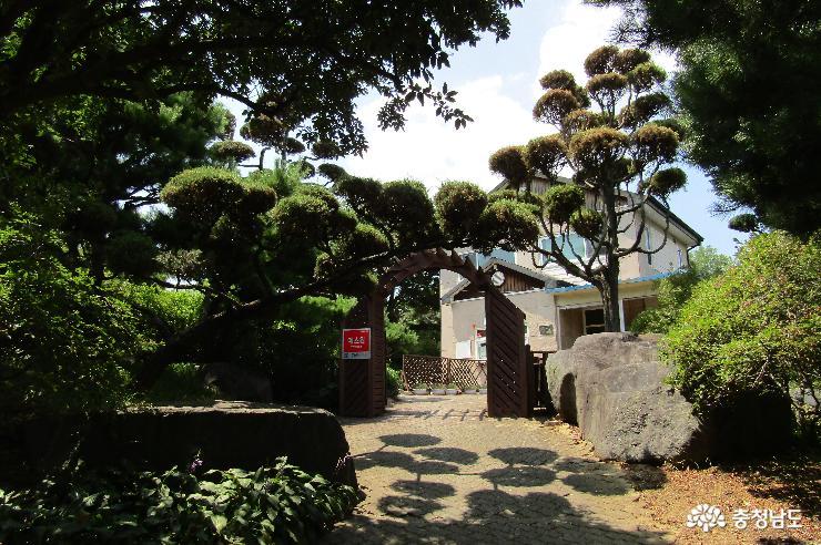 친환경 문화휴식 공간, 그림이 있는 정원 여름 산책길