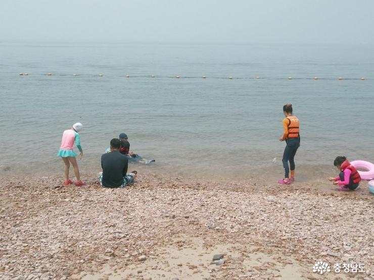 물 맑고 안전한 벌천포해수욕장, 올 여름 휴가는 너로 정했다!
