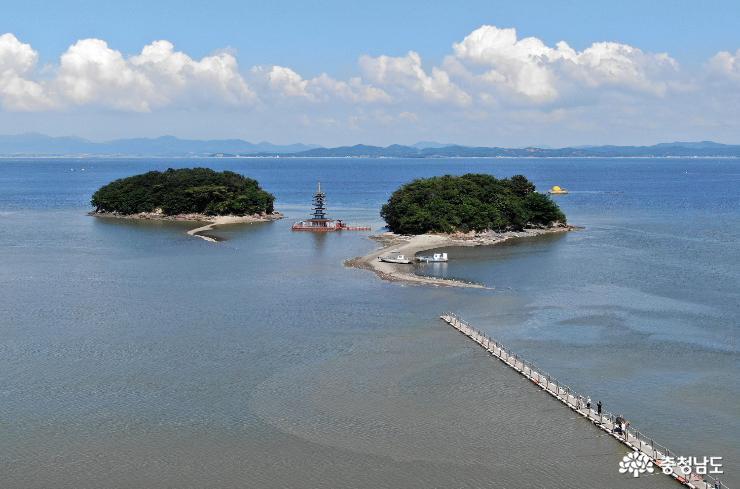 '바다 위 둥둥' 부상탑, 아름다운 여우섬이 있는 태안 안면암