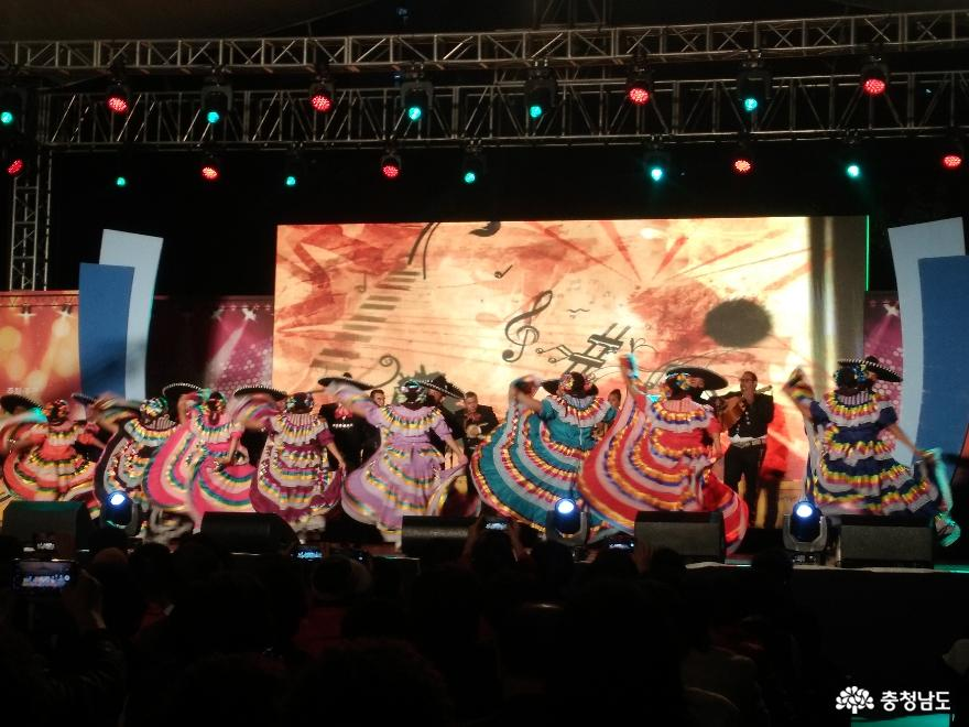 신명나는 춤으로 하나되었던 세계인의 축제  '2019 천안흥타령춤축제' 21