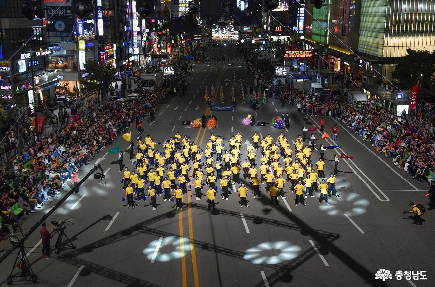 신명나는 춤으로 하나되었던 세계인의 축제  '2019 천안흥타령춤축제' 25