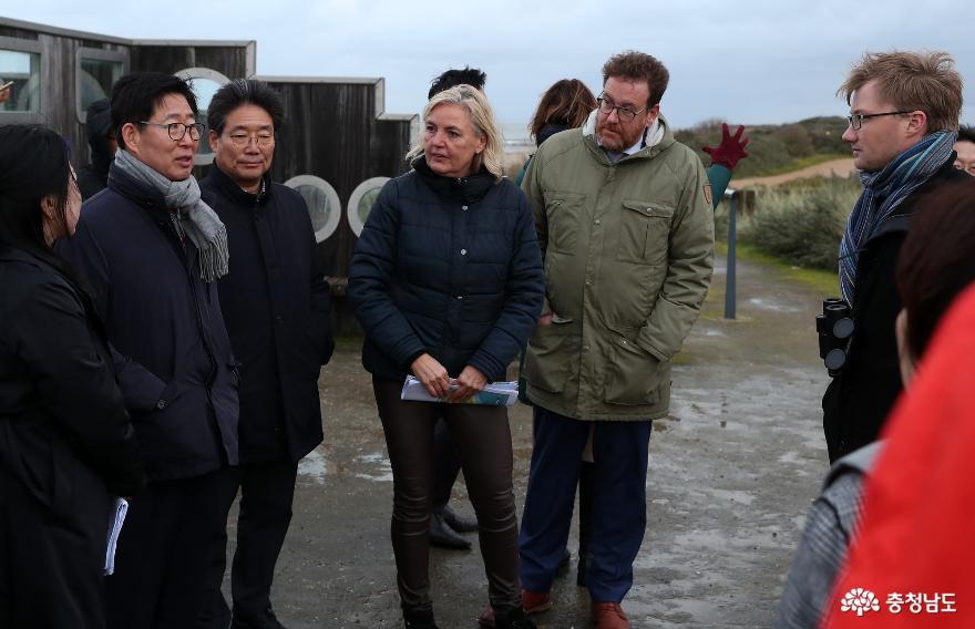충남, 벨기에 '유미코아' 1억달러 외자유치 3