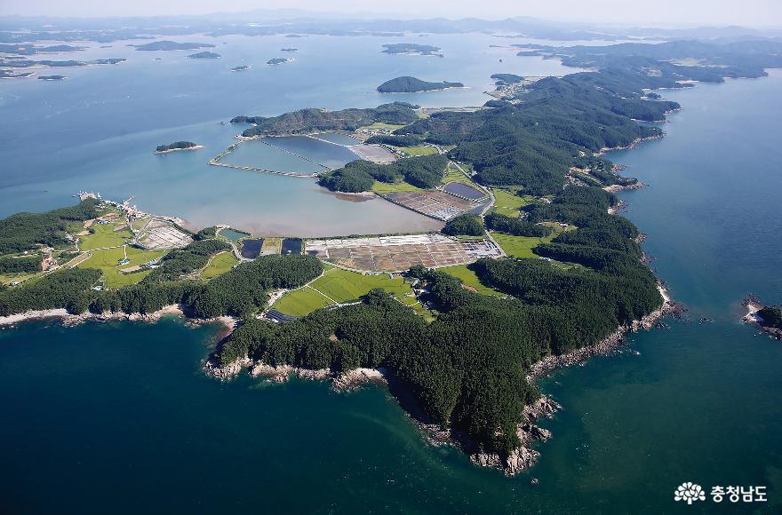 Korea's first marine garden is being created at Garorim Bay in Taean, Chungnam