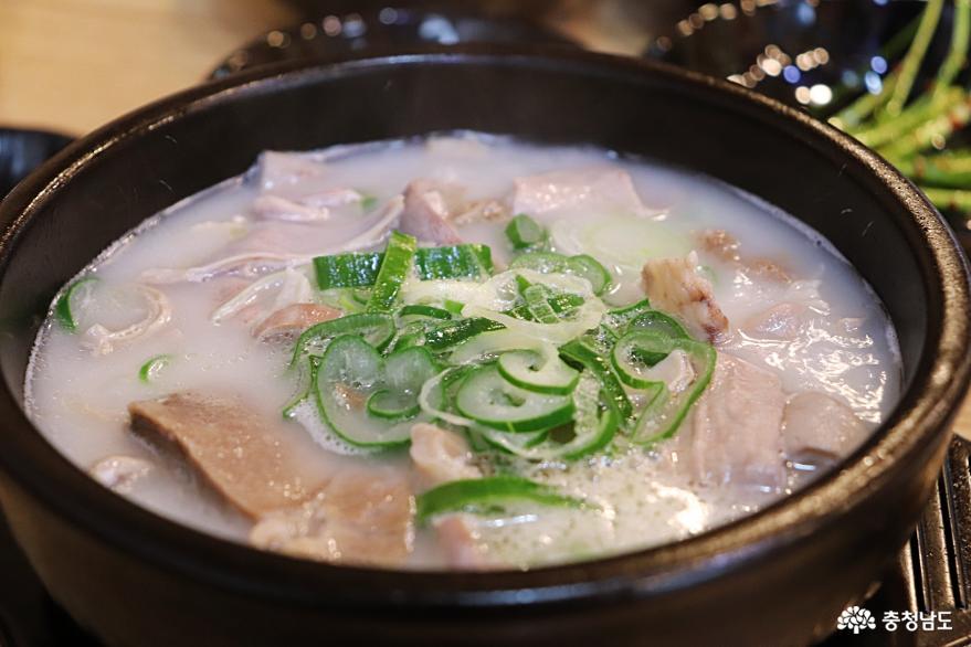 추운 겨울, 뜨끈하고 든든한 순대국밥으로!!