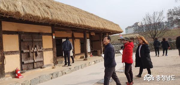 [서산]사계절 관광객 발 잇는 서산해미읍성 8
