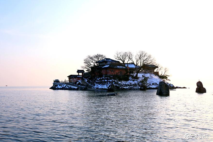 서산 일몰명소 간월암의 황금빛 일몰 2