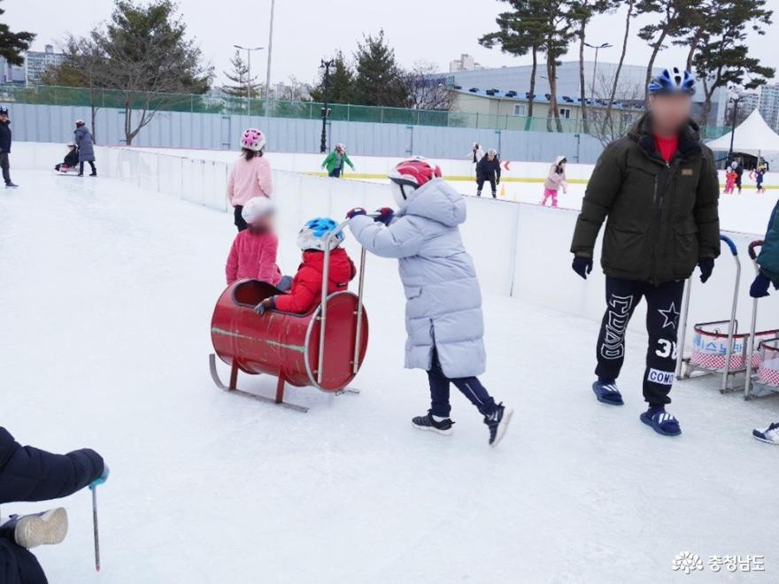 유아부터 성인까지 누구나 즐길 수 있는 스케이트·전통썰매
