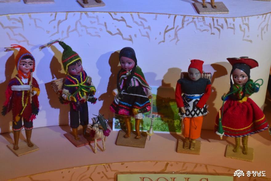 인형으로 가득한 덕산세계인형박물관