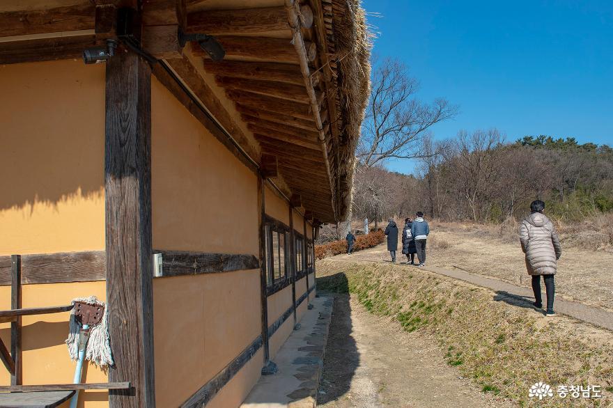 '논산 가볼만한곳' 전통의 멋과 풍류가 흐르는 명재고택과 노성향교 14