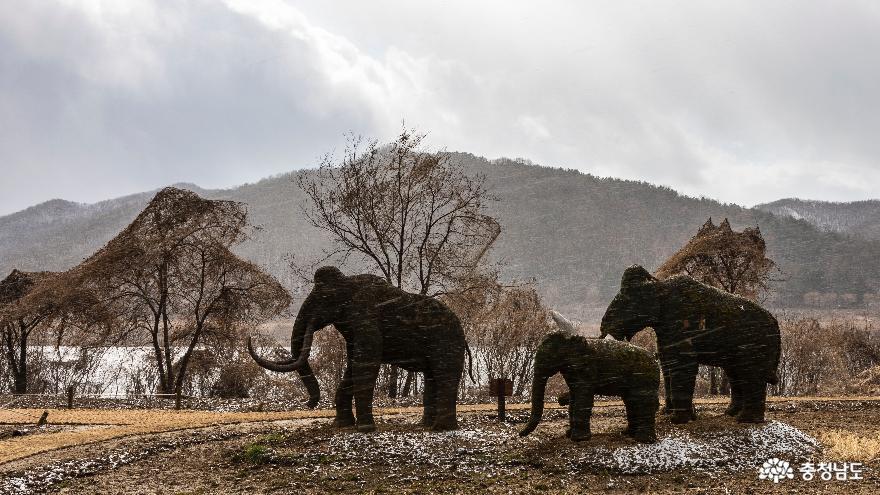 조형물(코끼리)이 있는 풍경#2