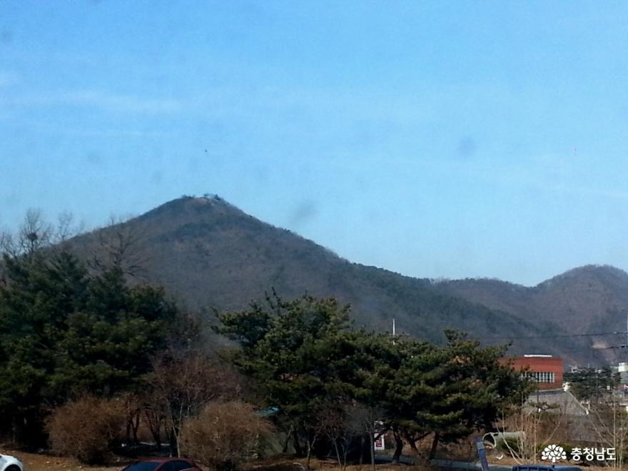 웅진동에서 본 연미산(2016년)