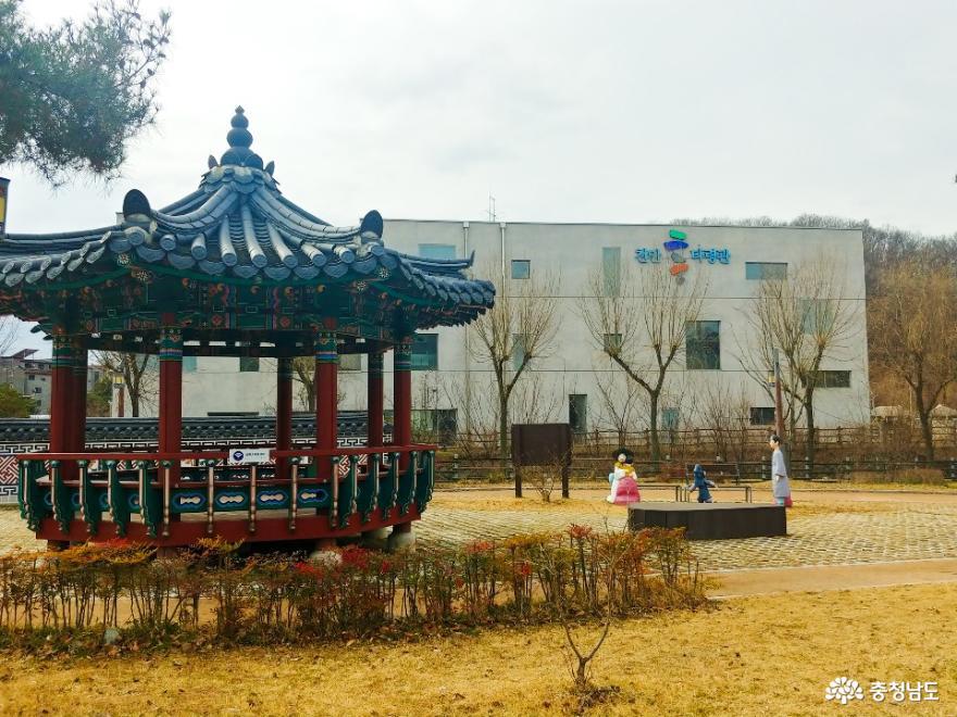 천안의 전통 술과 춤을 만날 수 있는 곳, 천안 흥타령관