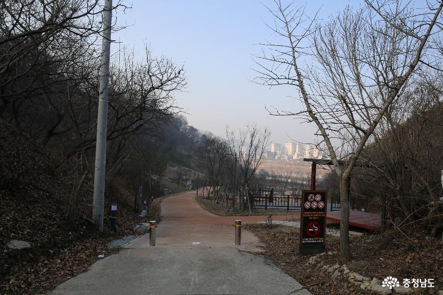 은개나루가 있던 곳에 조성된 은개골역사공원