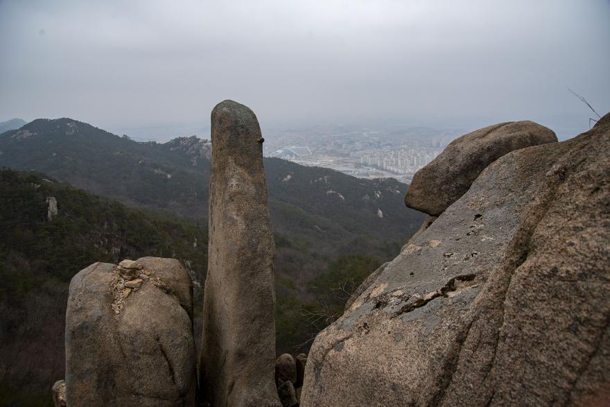용봉산 솟대바위