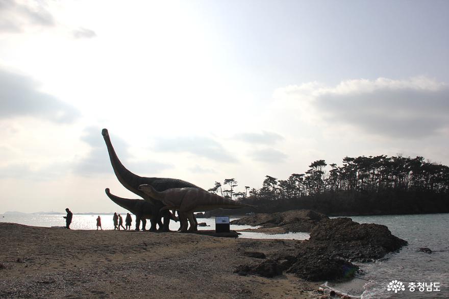 맨삽지공룡조형물