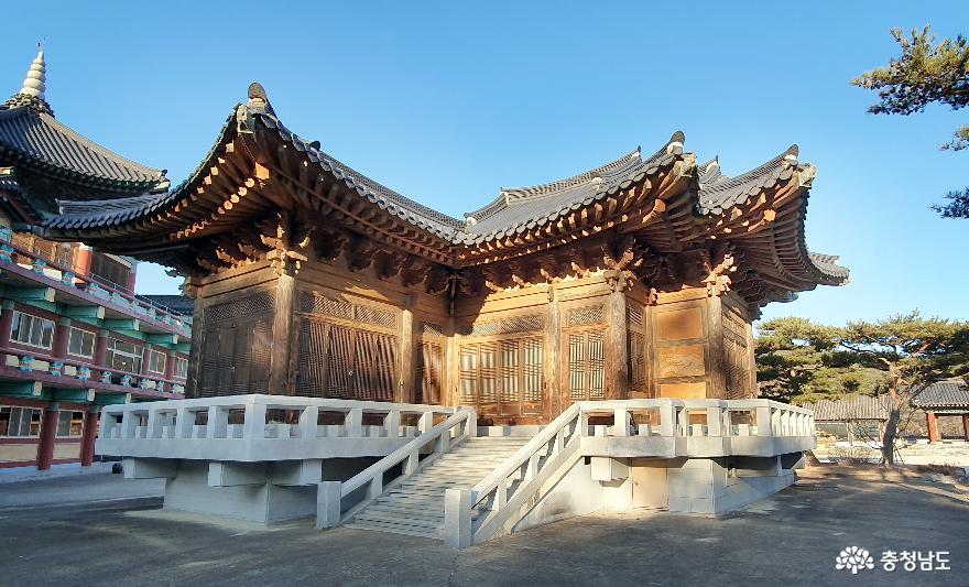 한국건축 5000년의 축소판 예산 '한국고건축박물관'