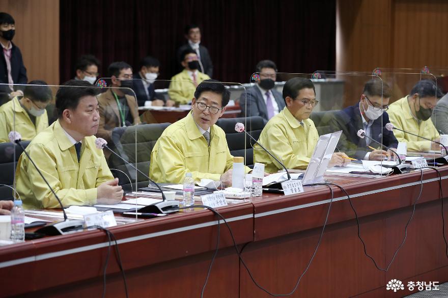 17개사 2410억 유치…경제 활성화 '밑불'