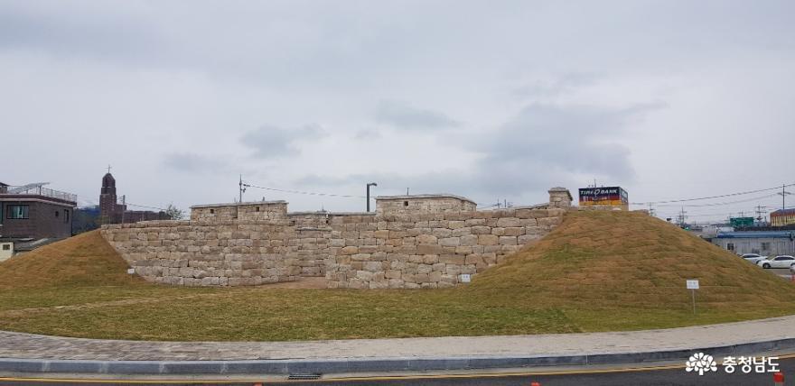복원된 홍중성 북문 2