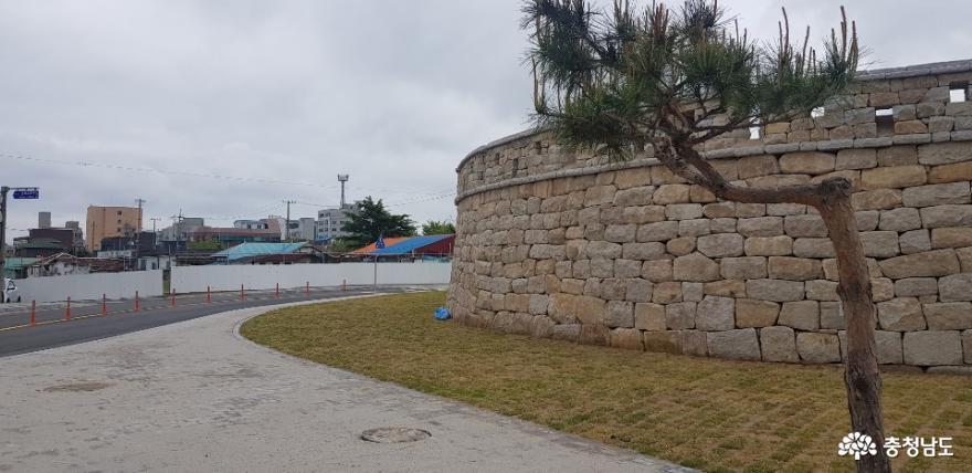 복원된 홍중성 북문
