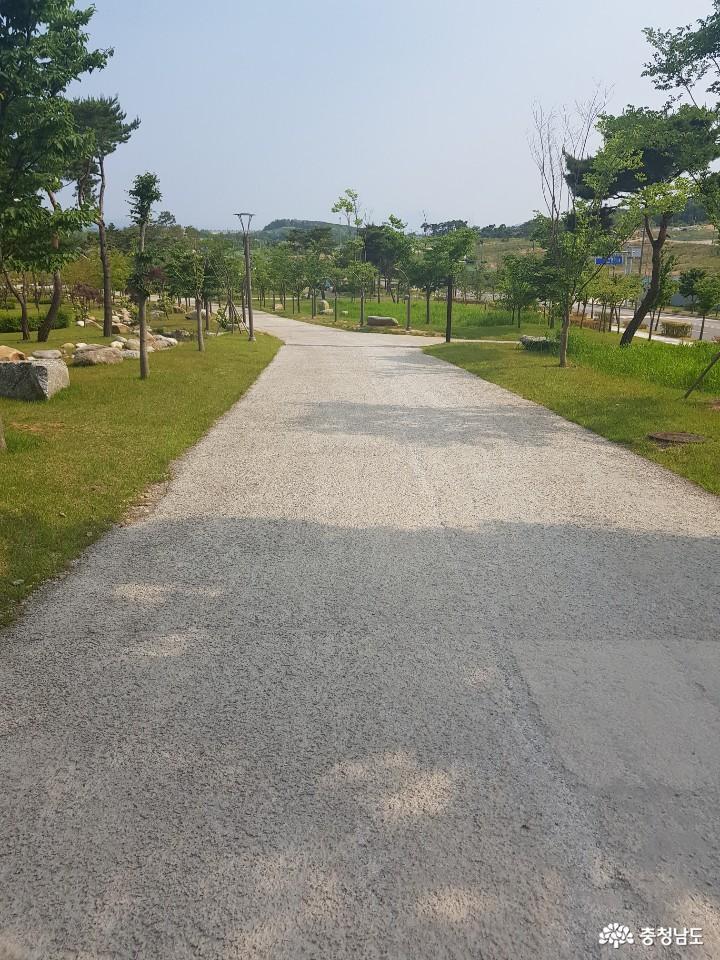 역사를 생각하게 되는 홍성 홍예공원 7
