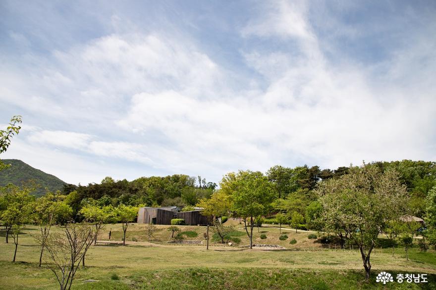 자연속에 녹아든 이응노기념관 생가로 산책