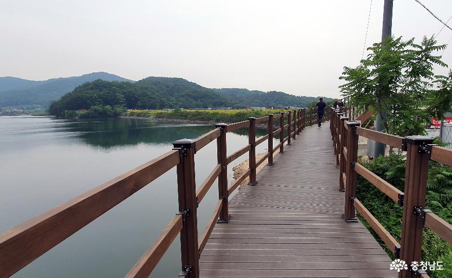천흥저수지 수변데크 산책로 1.