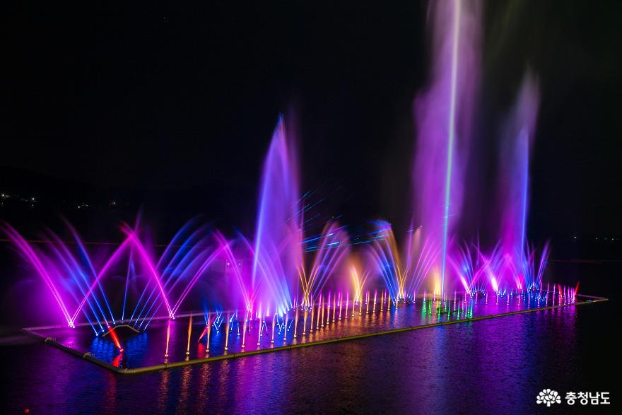 물·빛·음악이 어우러지는 예당호 음악분수 12