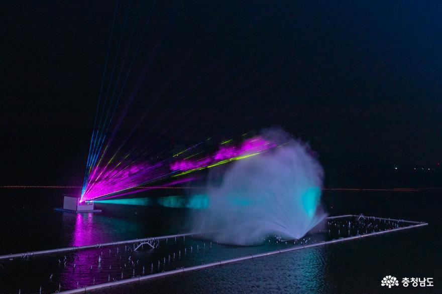 물·빛·음악이 어우러지는 예당호 음악분수 14
