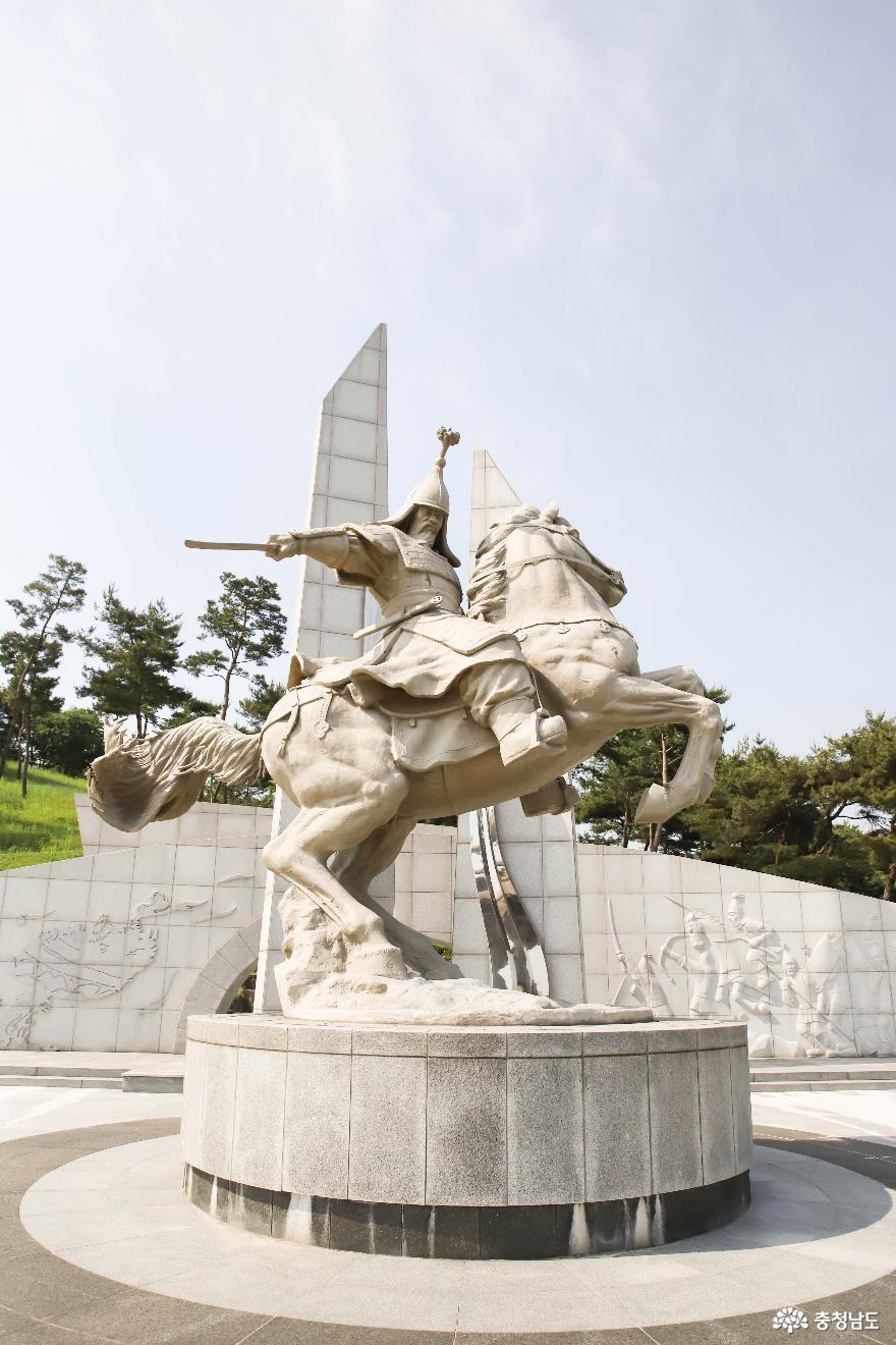 충혼공원 안의 계백 장군 8