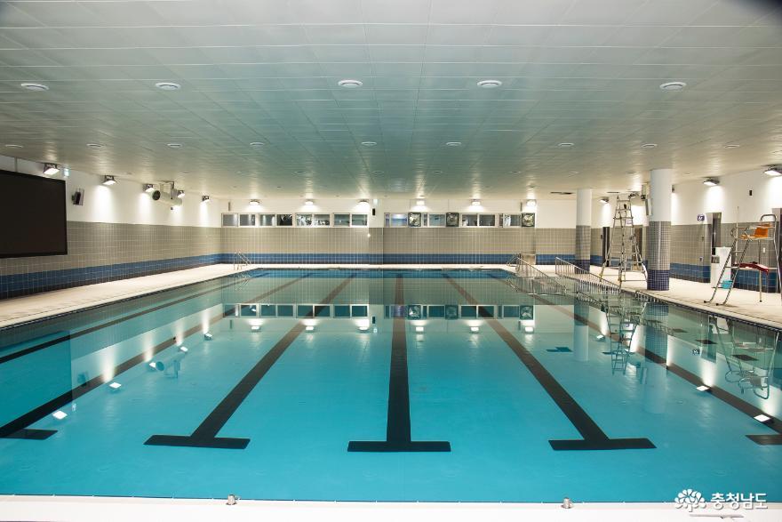 배방스포츠센터 수영장