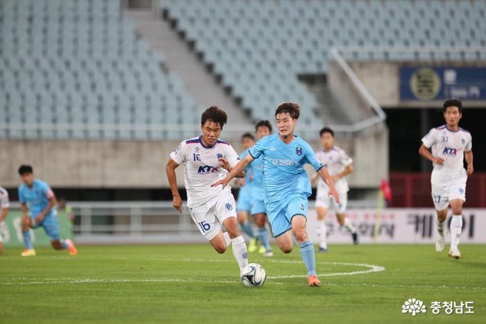 천안시축구단, '막판 통한의 2실점' 극복 못하고 홈에서 첫 패배 1