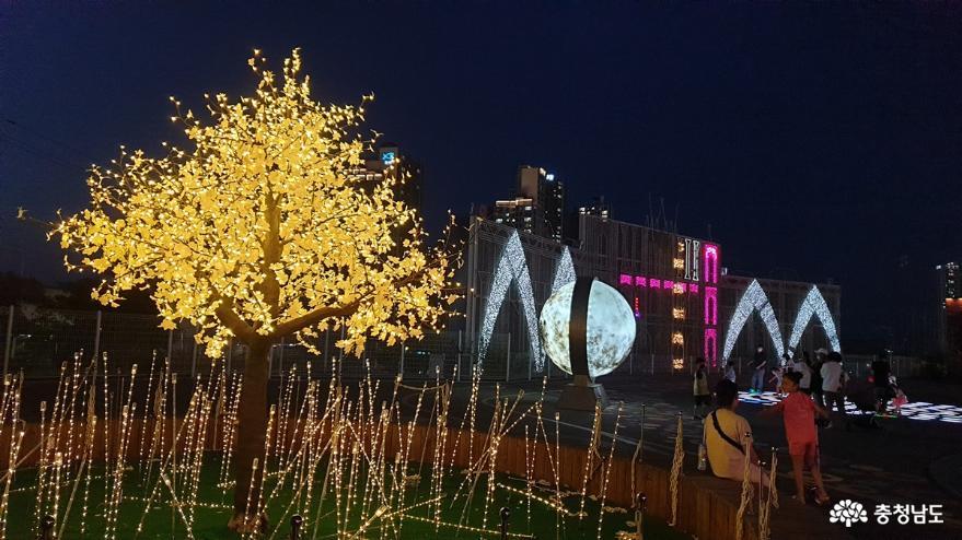 백석동 핫플레이스 MARCH PARK의 밤풍경