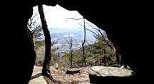 용봉산의 석굴과 역사적 사건