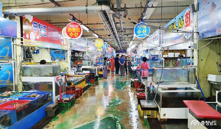 싱싱한 수산물 천국 무창포수산시장