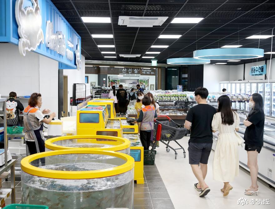 태안군, 전국 최초 농·수산물 통합 로컬푸드 직매장 '문 연다!' 2
