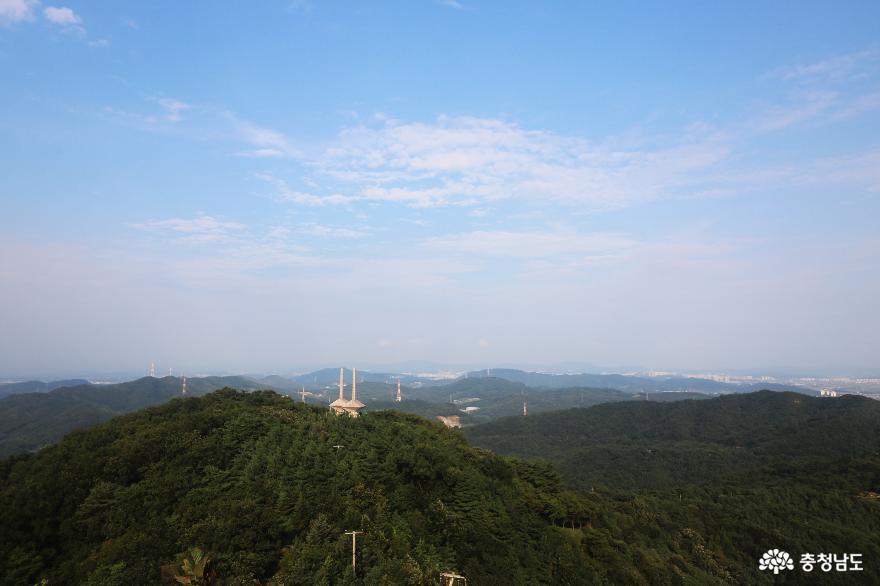 맑고 깨끗한 자연을 만끽할 수 있는 영인산자연휴양림