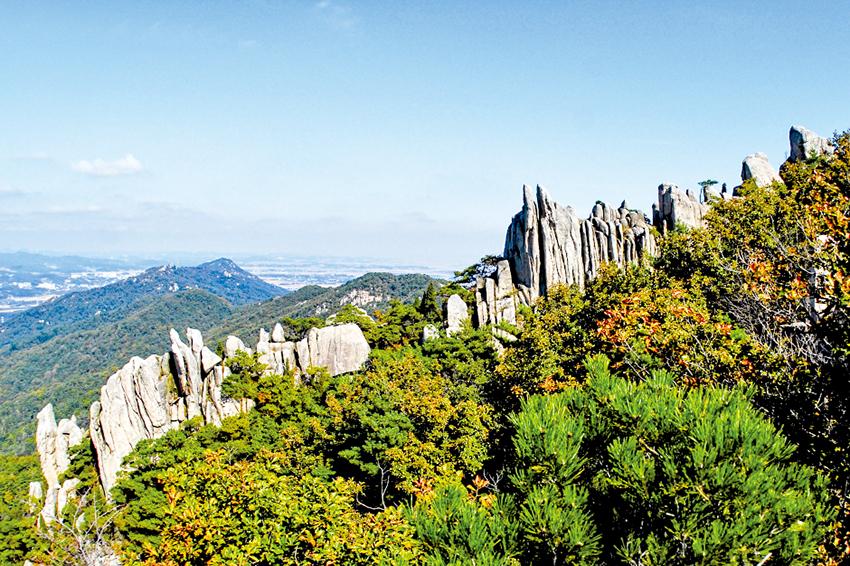 충남의 금강산, 용봉산