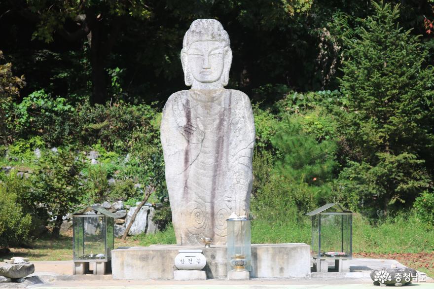 아산시 향토 문화유산(용화사 미륵불)