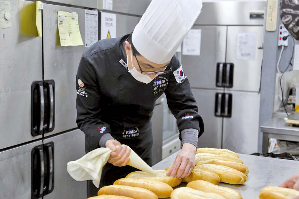 '겉바속촉' 빵길만 걷는 충남 명장
