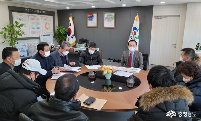 """천안 유흥업종사자들, 박 시장 면담자리서 """"유흥업 역차별 받고 있어"""" 호소"""