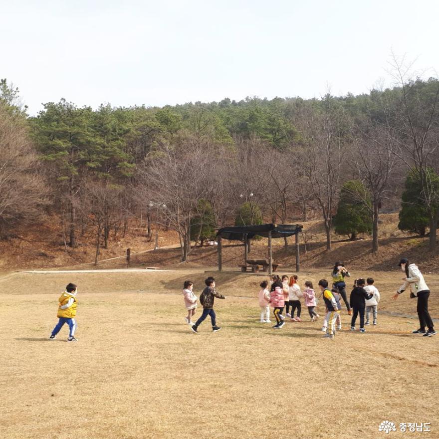 숲과 자연 속에서 뛰놀며 배우는, 아이들이 행복한 아산!