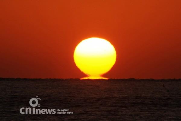 서해에서 '오메가 일몰'을 만나다